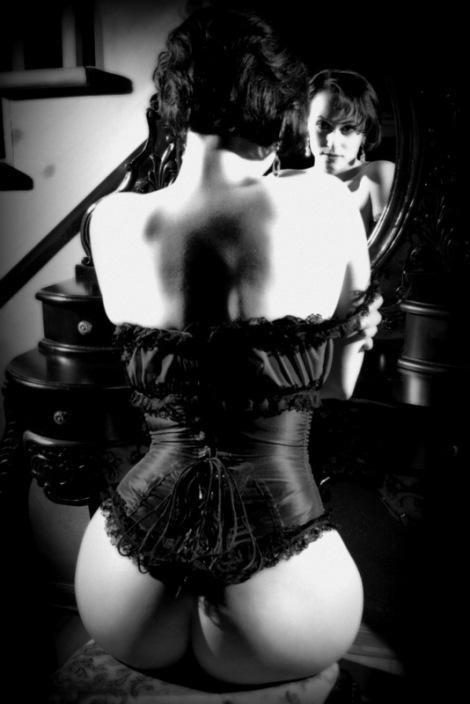 MichelleLamour_Noir03_photobyDonSpiro